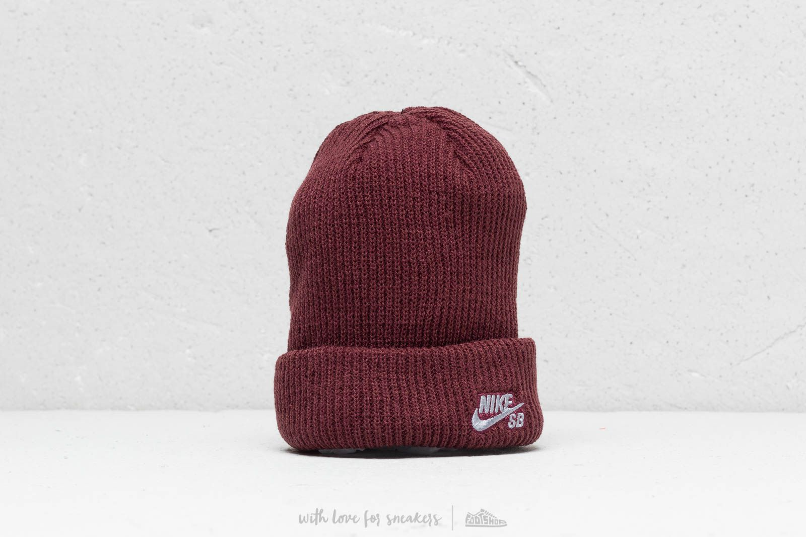Nike SB Fisherman Beanie Red at a great price 22 € buy at Footshop 32cb7f2eb31