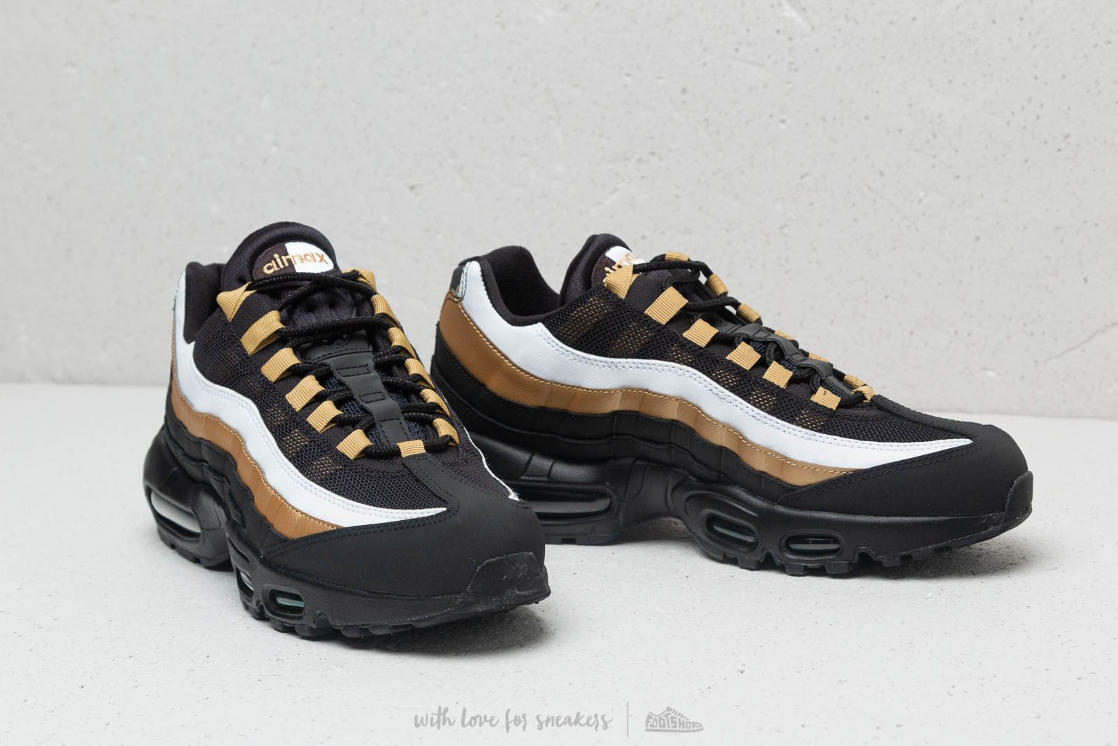 premium selection 7a0bb aacc6 Nike Air Max 95 OG Black Black-Metallic Gold at a great price £