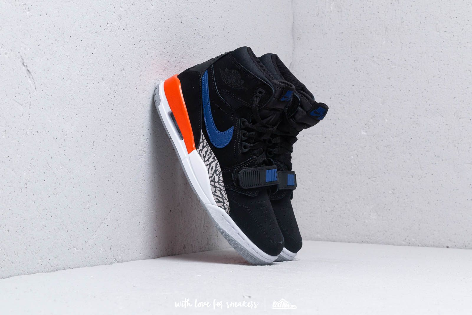 newest 25c17 06720 Air Jordan Legacy 312 Black  Rush Blue at a great price 147 € bestell bei