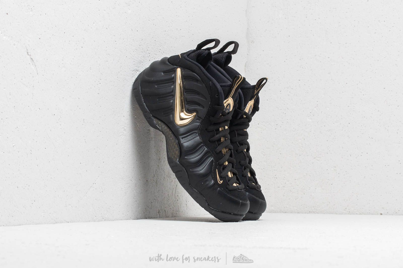 premium selection 60c29 bc404 Nike Air Foamposite Pro Black/ Metallic Gold at a great price 220 € buy at