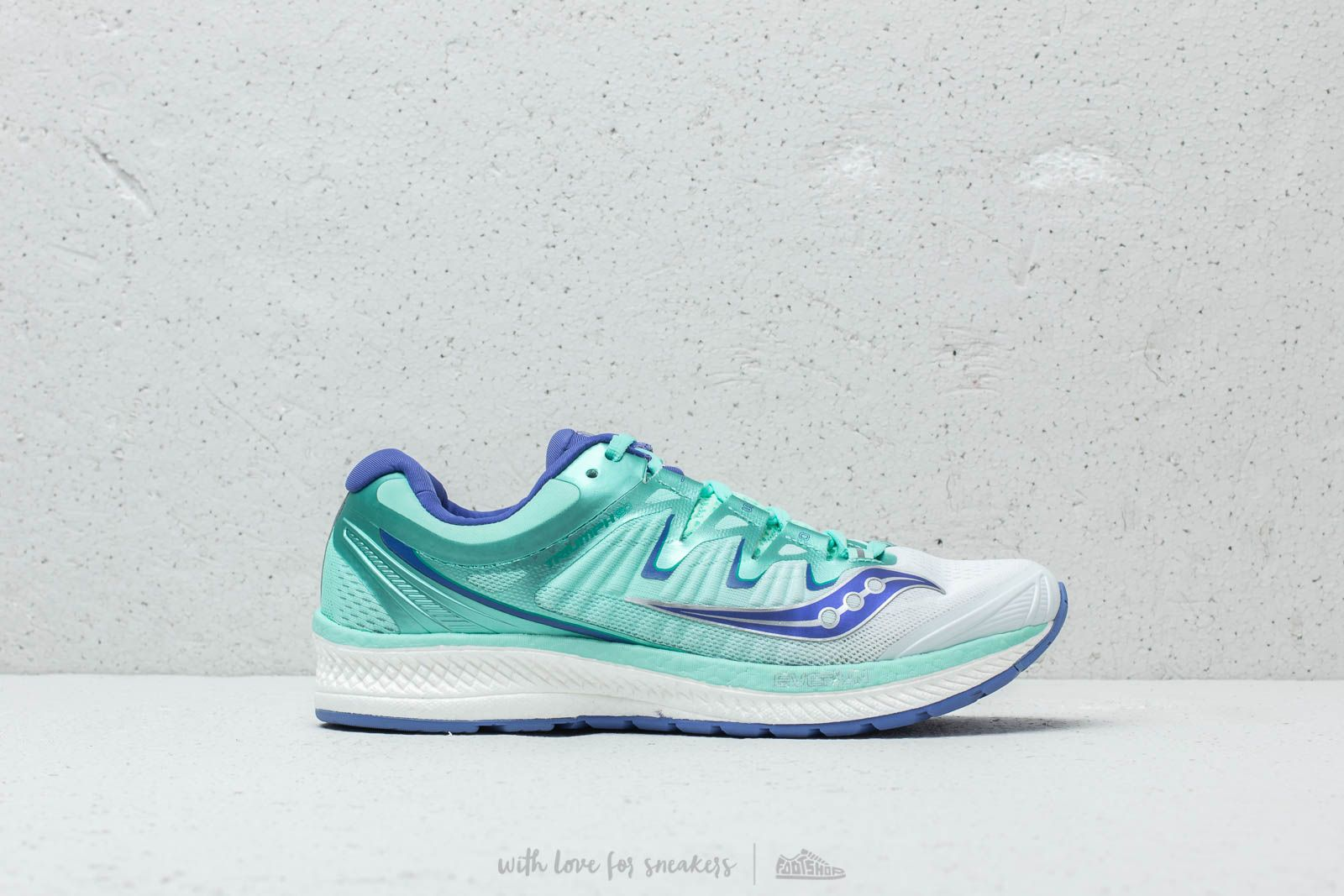 010f8ffe51f0 Saucony Triumph ISO 4 White  Aqua at a great price £134 buy at Footshop