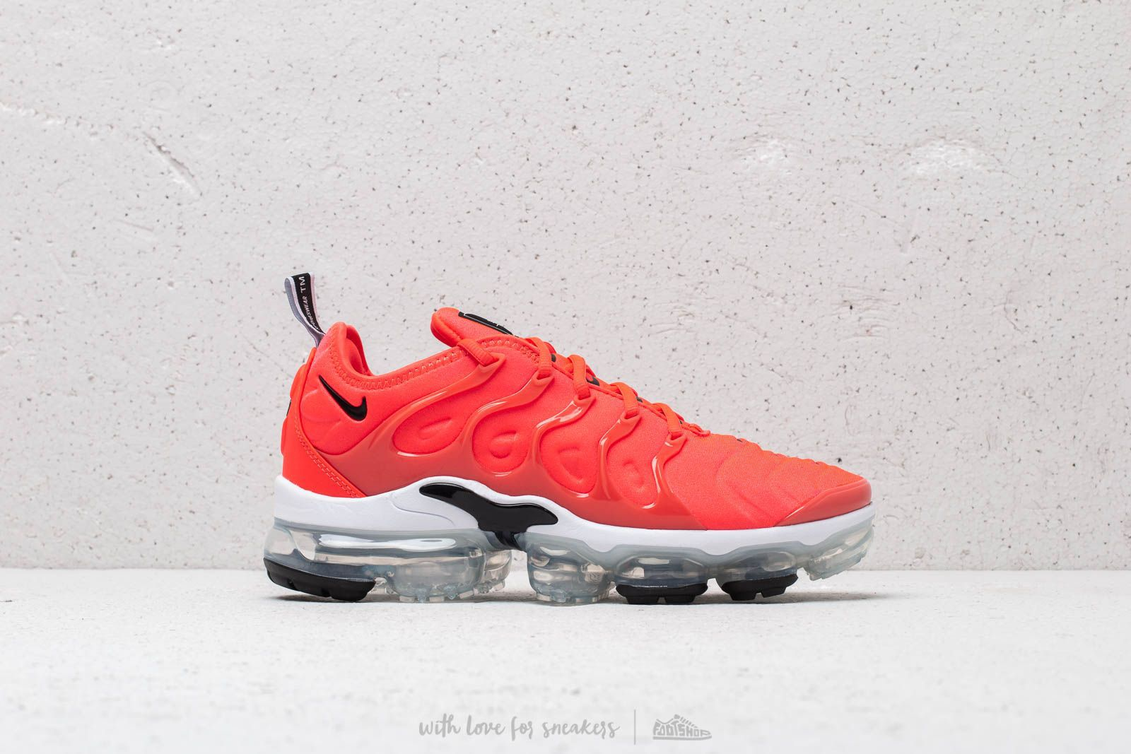 77abec866ee5 Nike Air Vapormax Plus Bright Crimson  Black-White at a great price 209 €