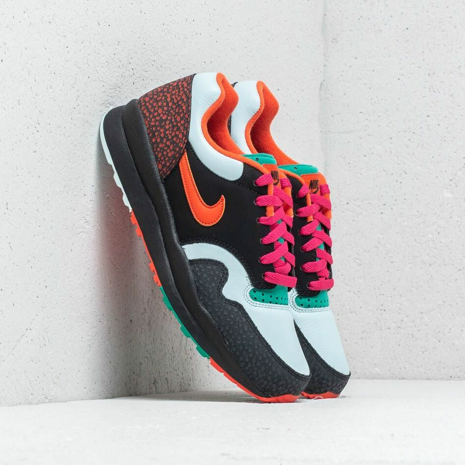 Nike Air Safari Supreme Black/ Team Orange EUR 44.5