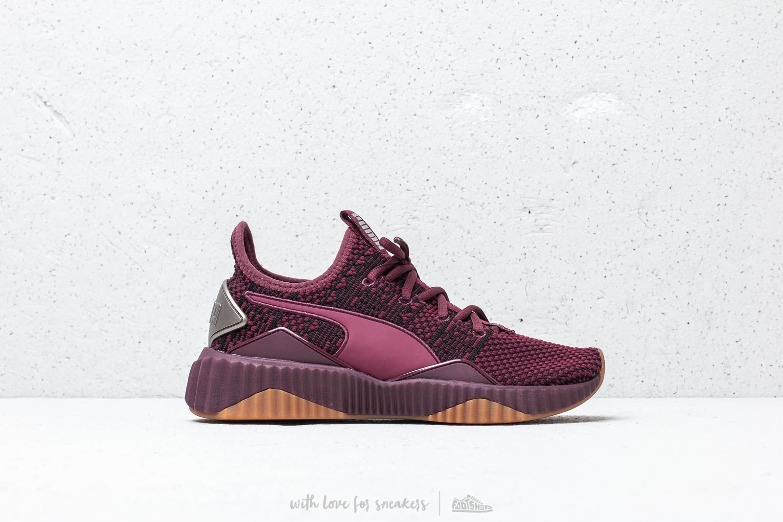 Puma Defy Luxe Wn's Fig Metallic Ash | Footshop