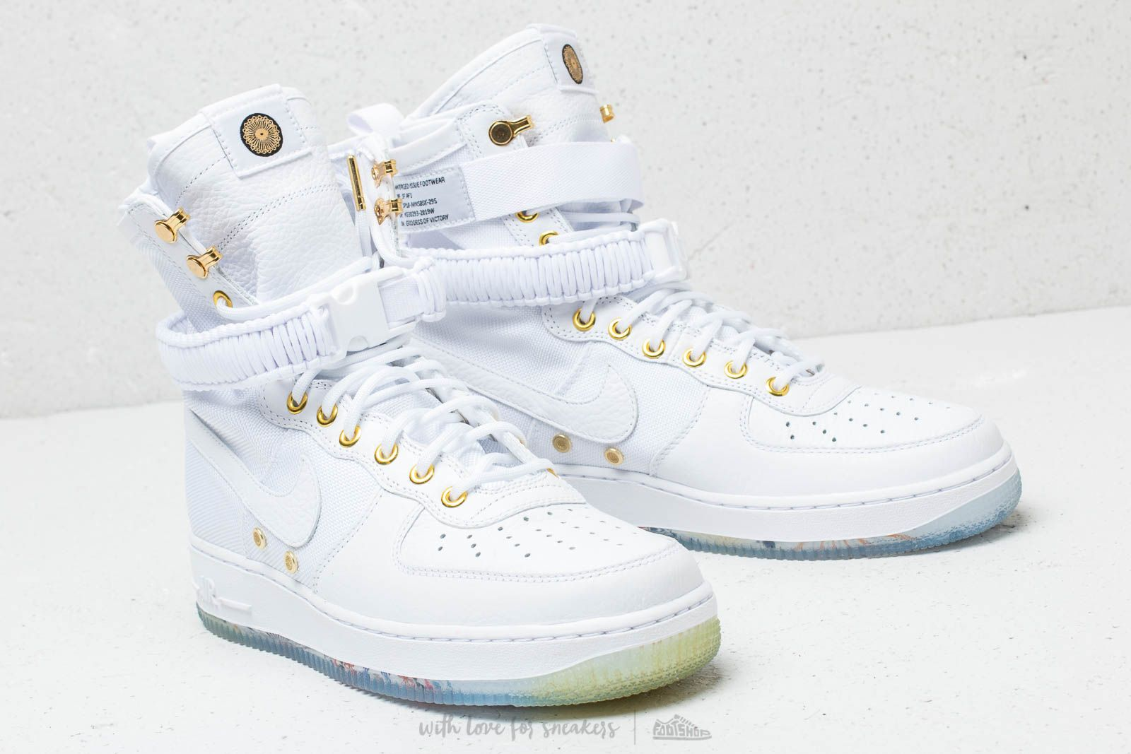 Nike SF Air Force 1 High LNY QS