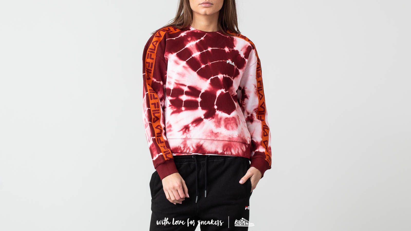 FILA Tammar Crewneck Galaxy Batik Print za skvelú cenu 44 € kúpite na Footshop.sk