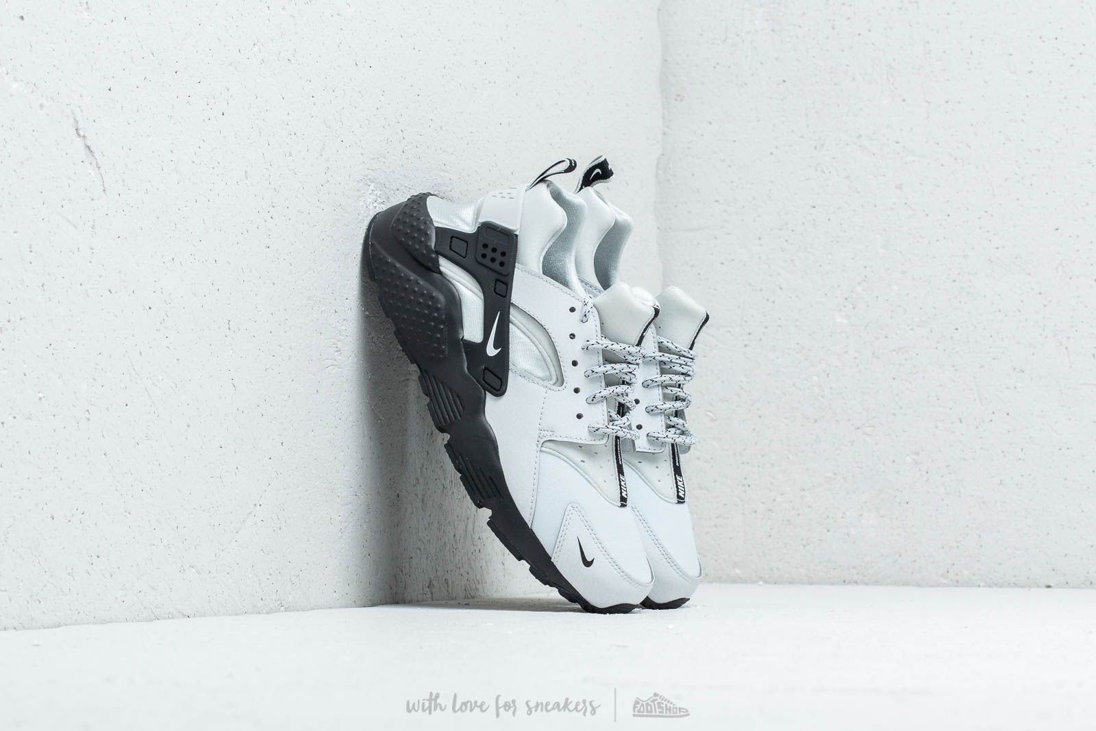 Nike Huarache Run SE (GS) Pure Platinum/ White-Black