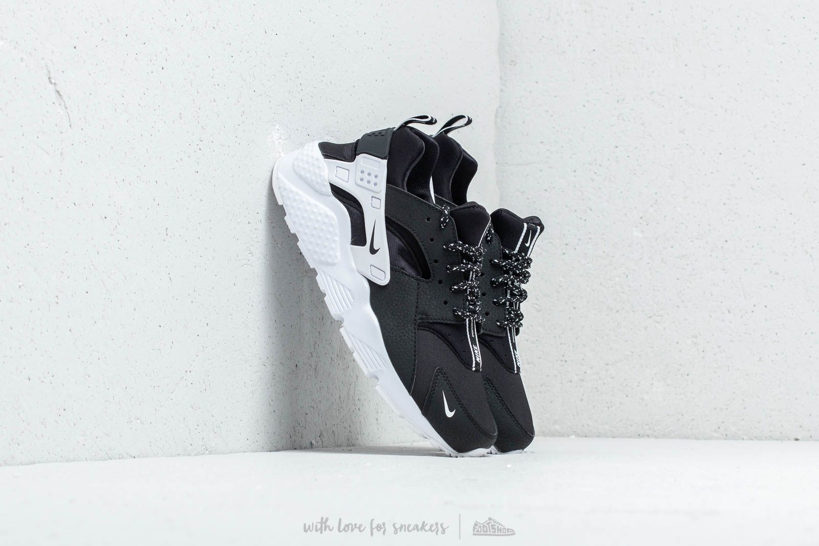 Nike Huarache Run SE (GS) Black/ Black-White