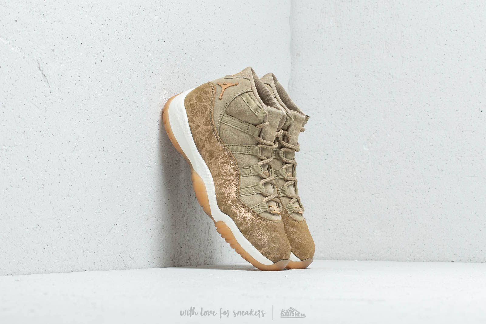 Air Jordan 11 Retro WMNS Neutral Olive/ MTLC Stout-Sail at a great price 198 € buy at Footshop