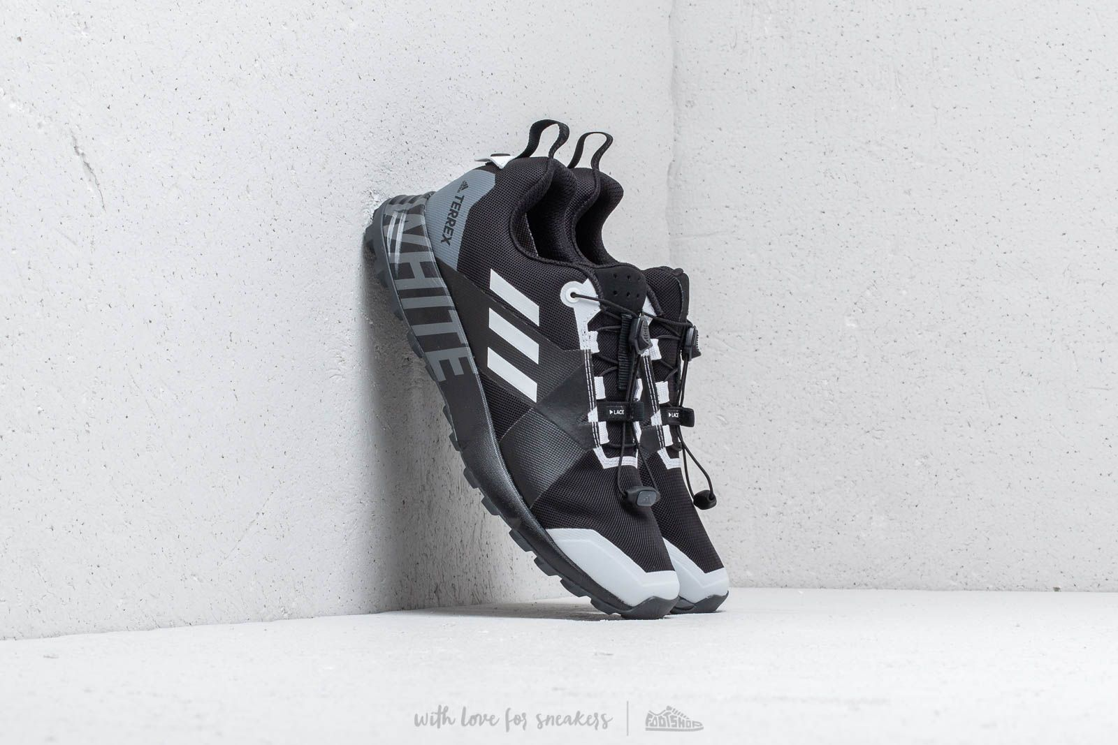 Adidas x White Mountaineering Terrex Two GTX Carbon/ Core Black/ Footwear White za skvelú cenu 133 € kúpite na Footshop.sk