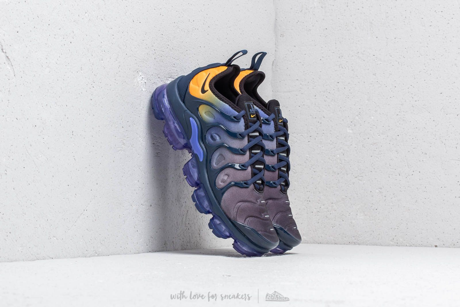 Nike Air Vapormax Plus Wmns Persian Violet Black Footshop