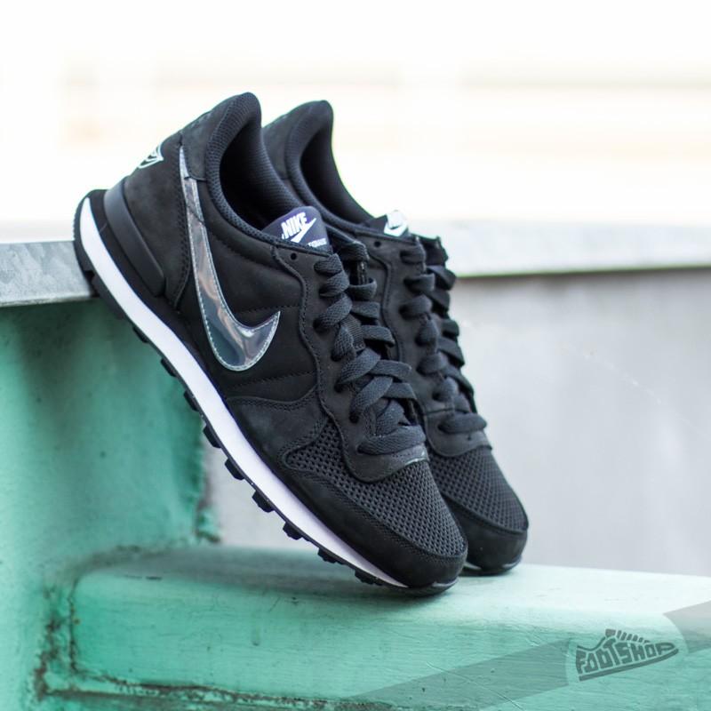 best sneakers 7e5bd 124ec Nike Wmns Internationalist QS Black Clear-White