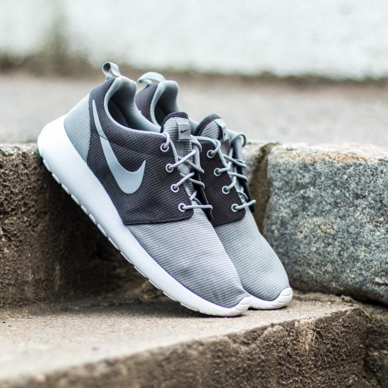 1af36f43a111 Nike Rosherun Cool Grey Black White