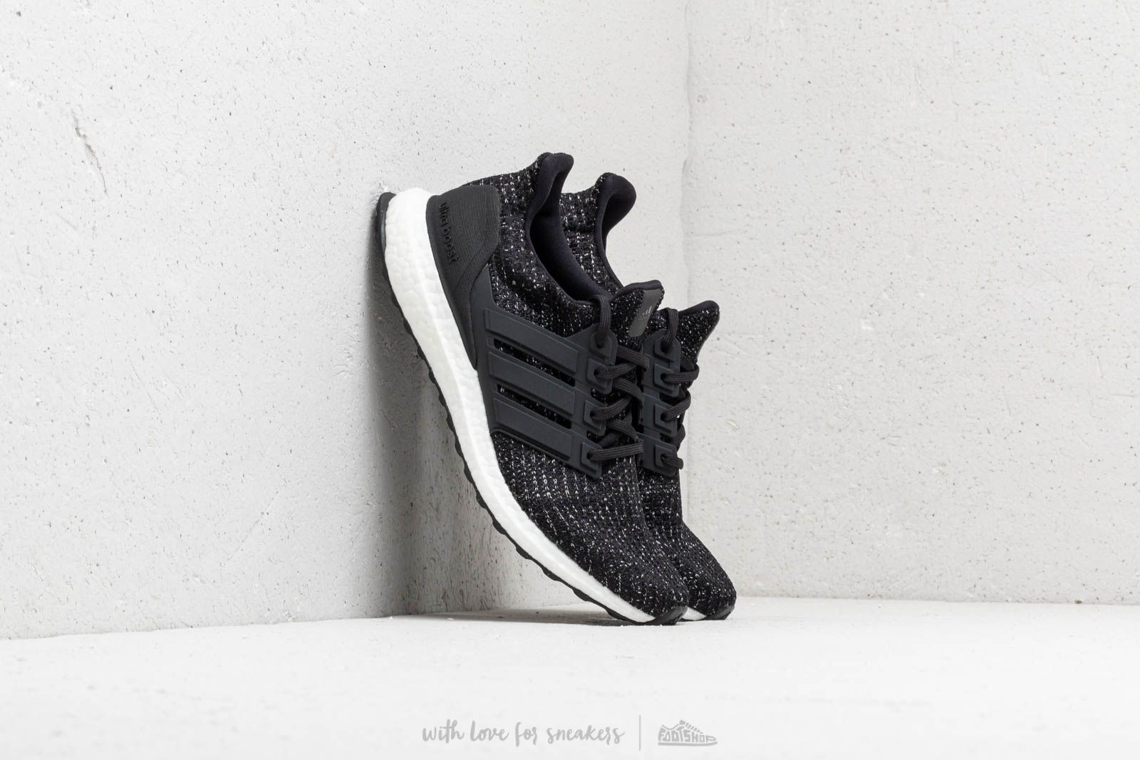 59ddec04e52ae adidas UltraBOOST Core Black  Core Black  Ftw White at a great price 176 €