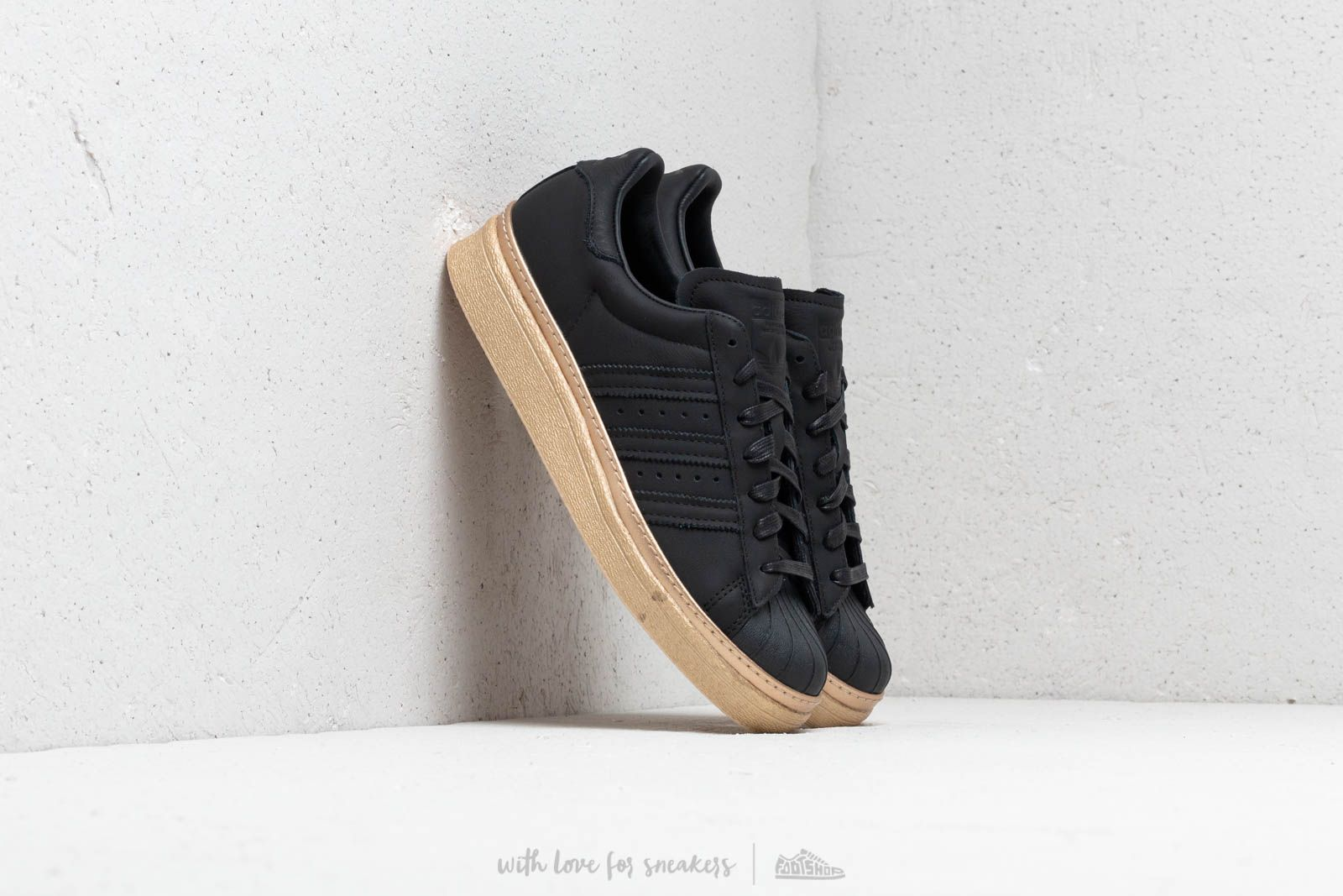 the best attitude e2ba8 0c3d1 adidas Superstar 80s New Bold W Core Black  Core Black  Gold Metallic at a