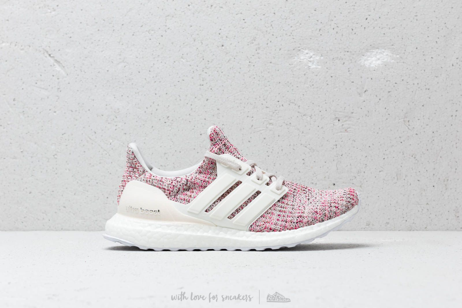 7b621c24a0f2 adidas UltraBOOST W Chalk Pearl  Cloud White  Shock Pink at a great price  180