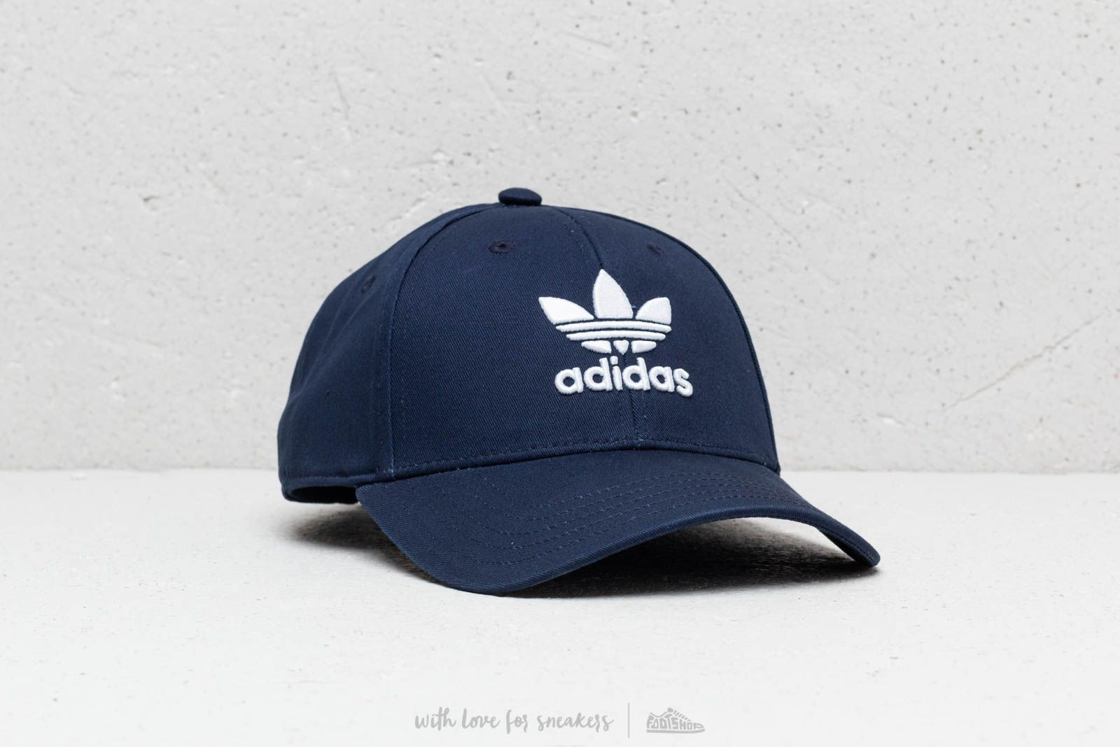 adidas Trefoil Baseball kšiltovka Collegiate Navy / White at a great price 20 € buy at Footshop