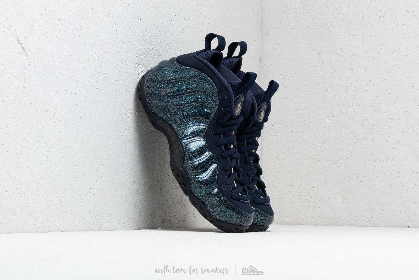 premium selection 160d7 7b681 Nike W Air Foamposite One Obsidian  Obsidian-Obsidian at a great price 220 €