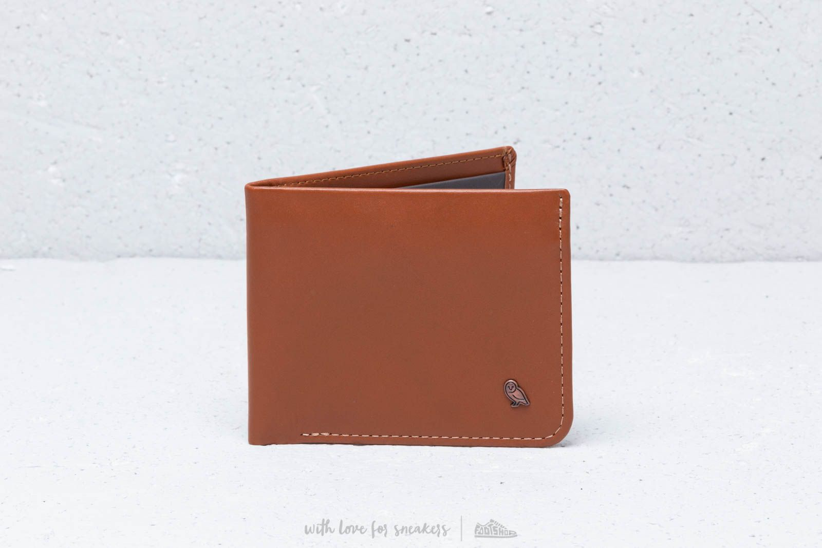 Bellroy Hide & Seek RFID Caramel