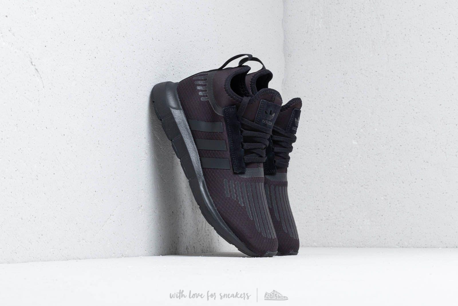 adidas Swift Run Barrier Core Black/ Core Black/ Core Black at a great price 3 148 ГРН купите на Footshop.ua