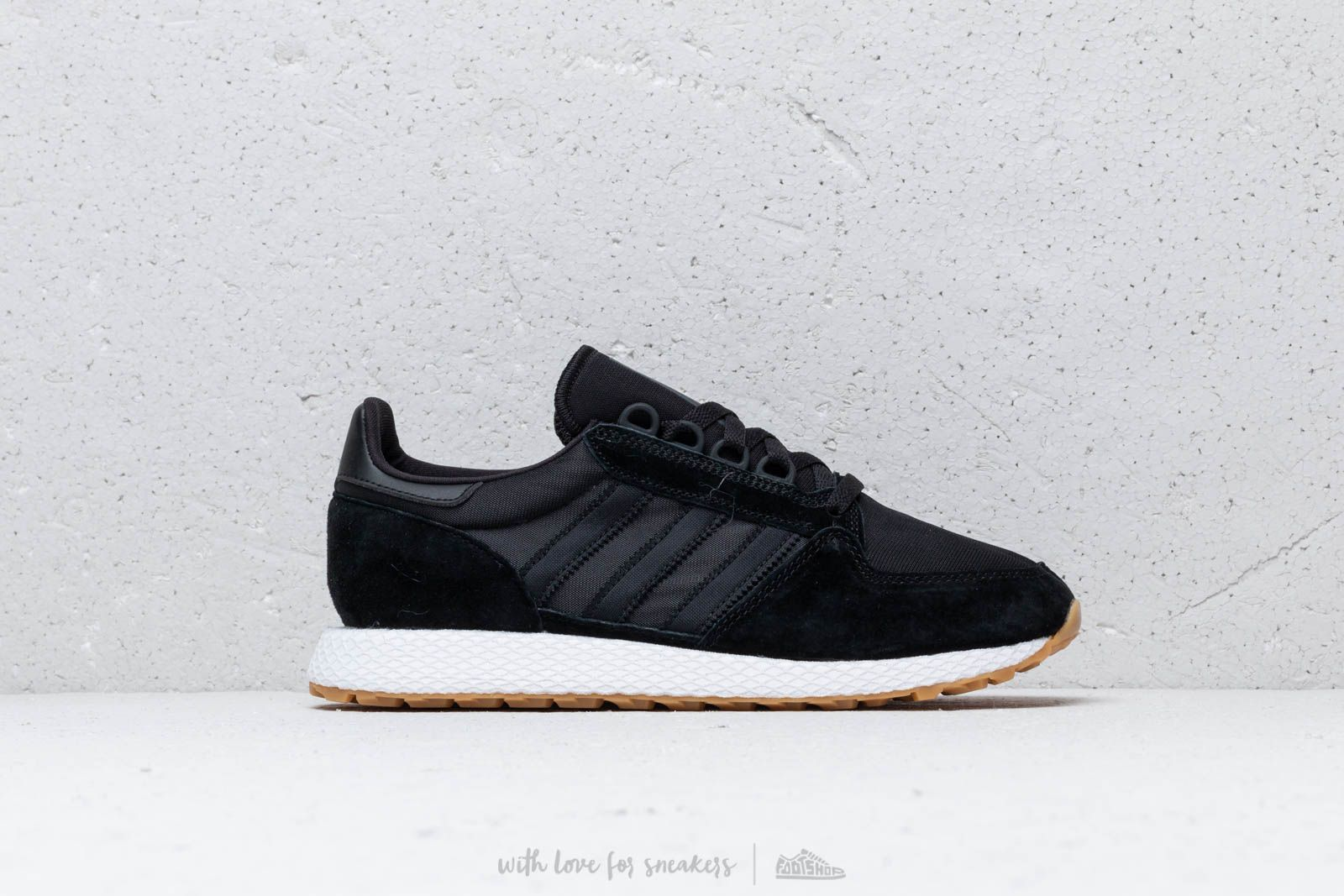 check out 1afec 66b65 adidas Forest Grove Core Black Core Black Gum at a great price 75 €