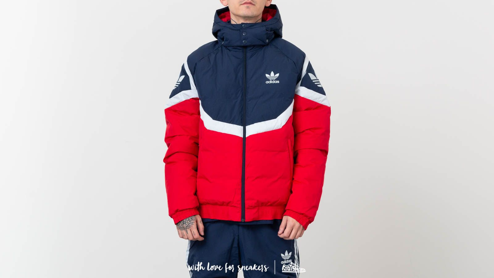 detailed look 37907 39173 adidas Originals Down Jacket Bold Red at a great price 174 € buy at Footshop