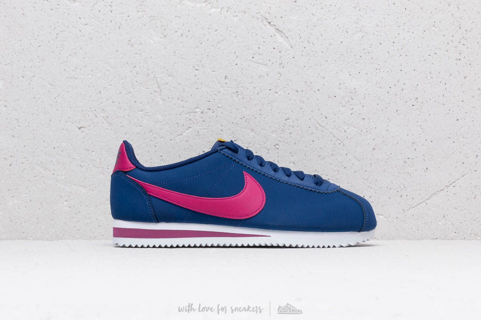 huge discount b172b 5231b Nike Wmns Classic Cortez Leather Blue Void  True Berry-Dark Citron-White za