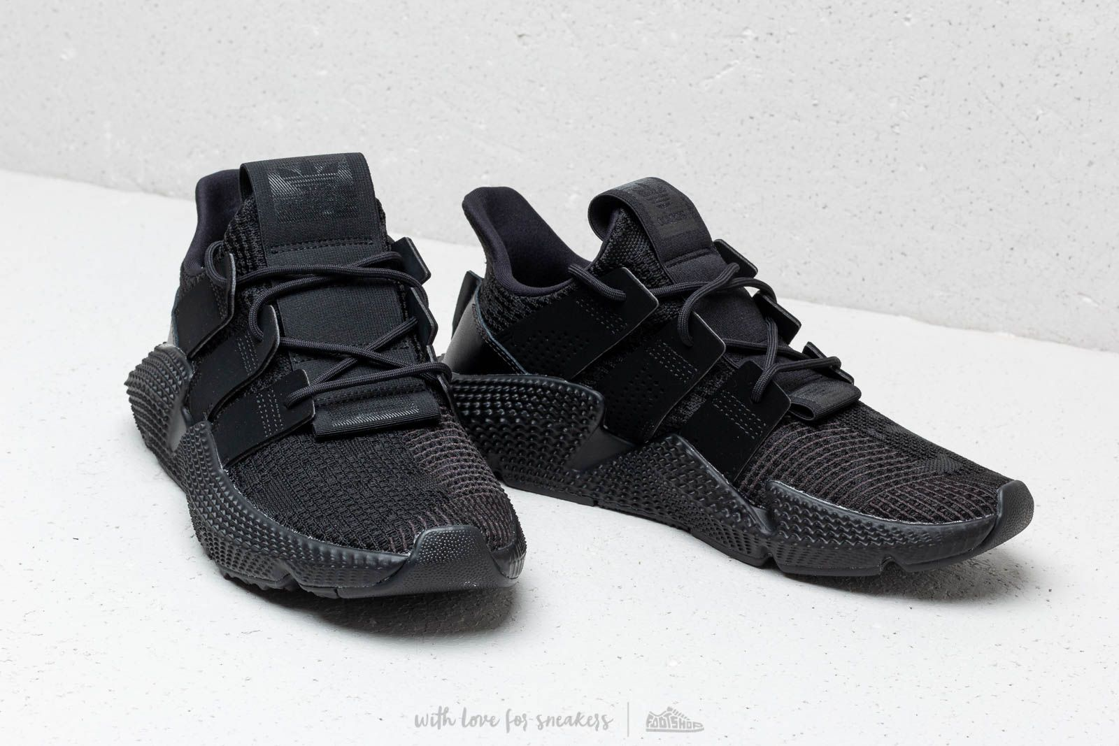 official photos b005c 0df03 adidas Prophere Core Black  Core Black  Ftw White la un preț excelent 526  Lei