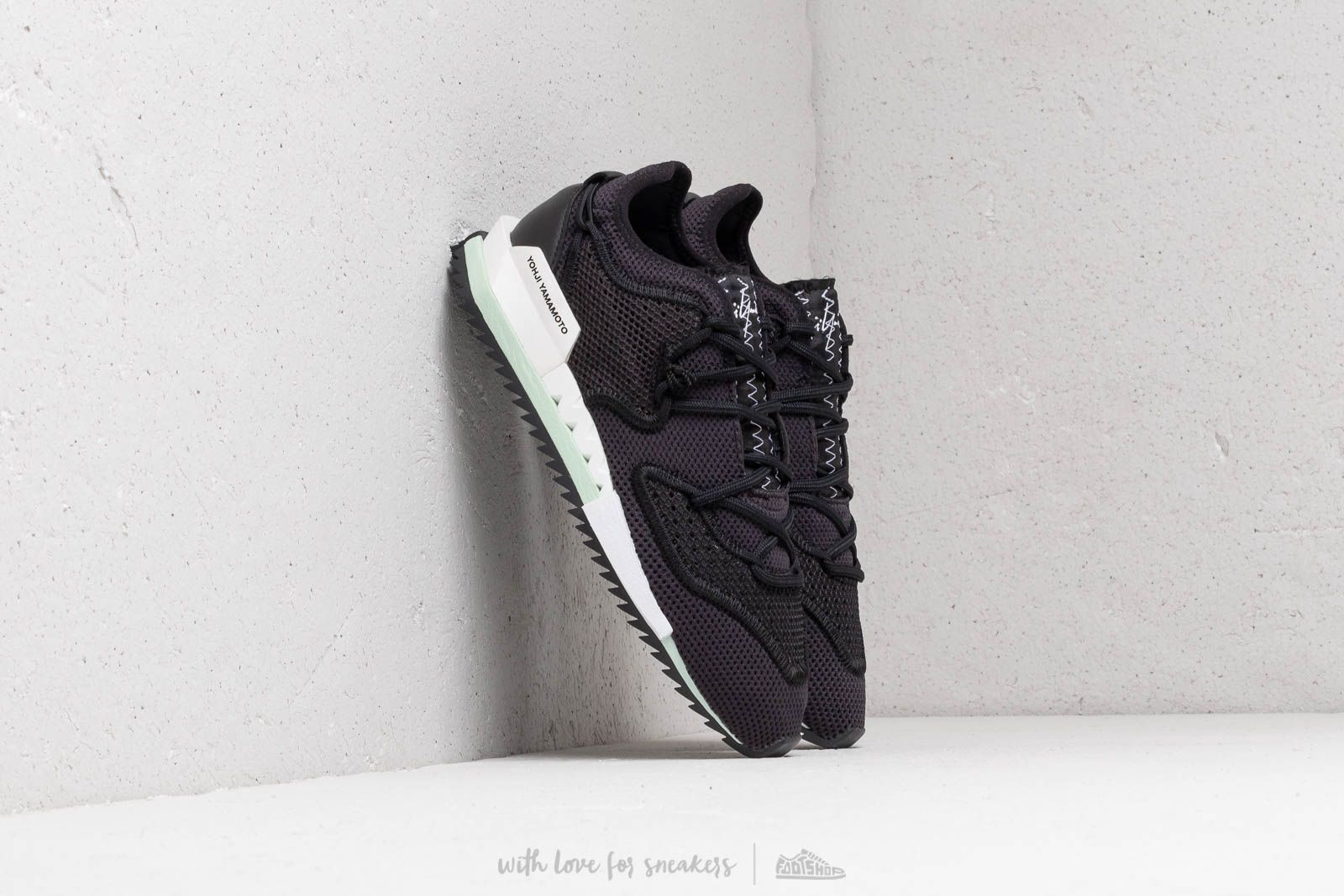 Y-3 Harigane II Core Black/ Core Black/ Ftw White at a great price $389 buy at Footshop