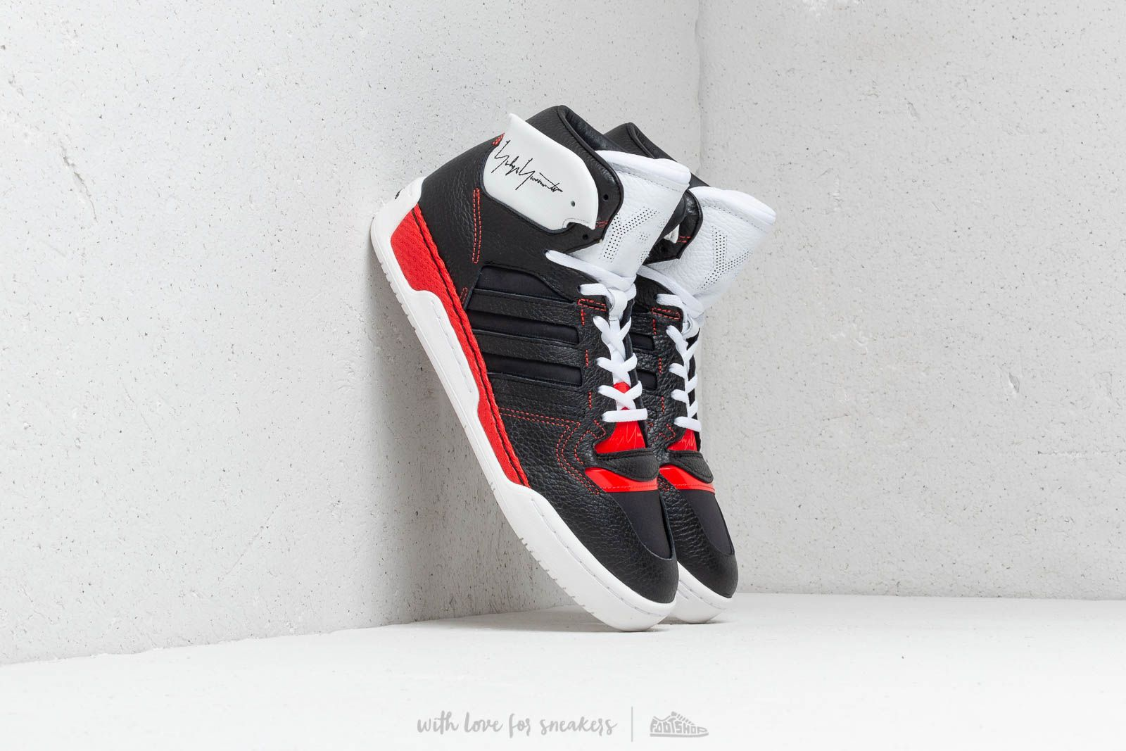 Y-3 Hayworth Black/ Ftw White/ Red at a great price 264 € buy at Footshop