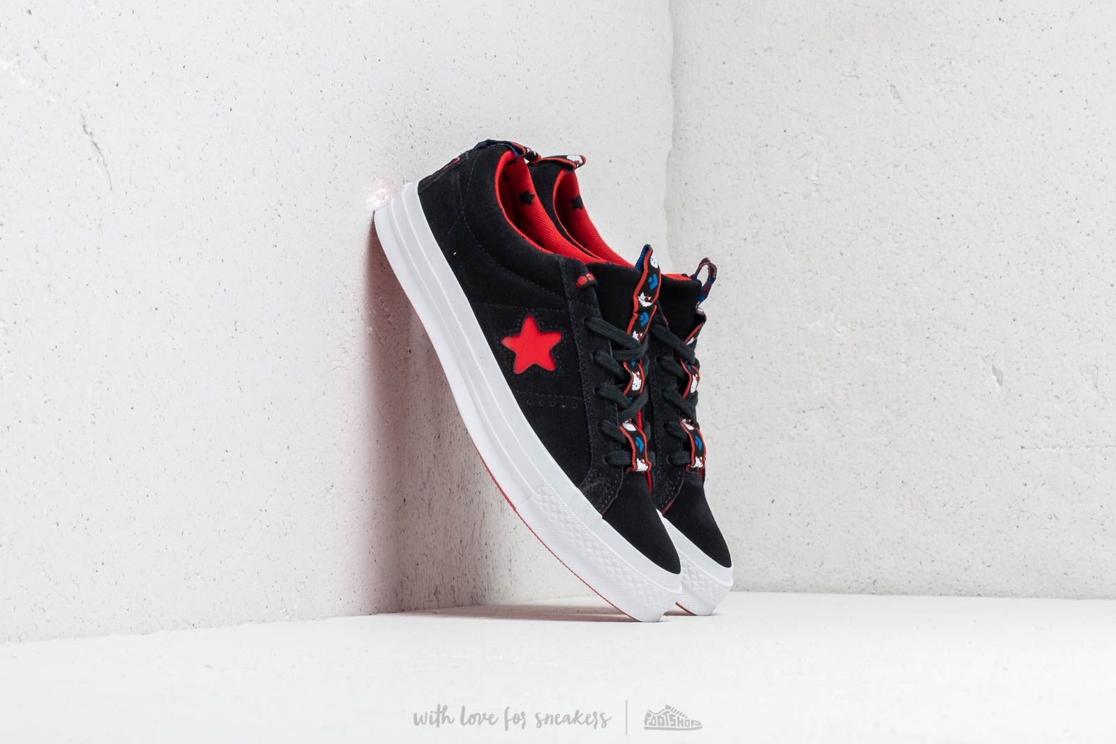 Converse x Hello Kitty One Star OX