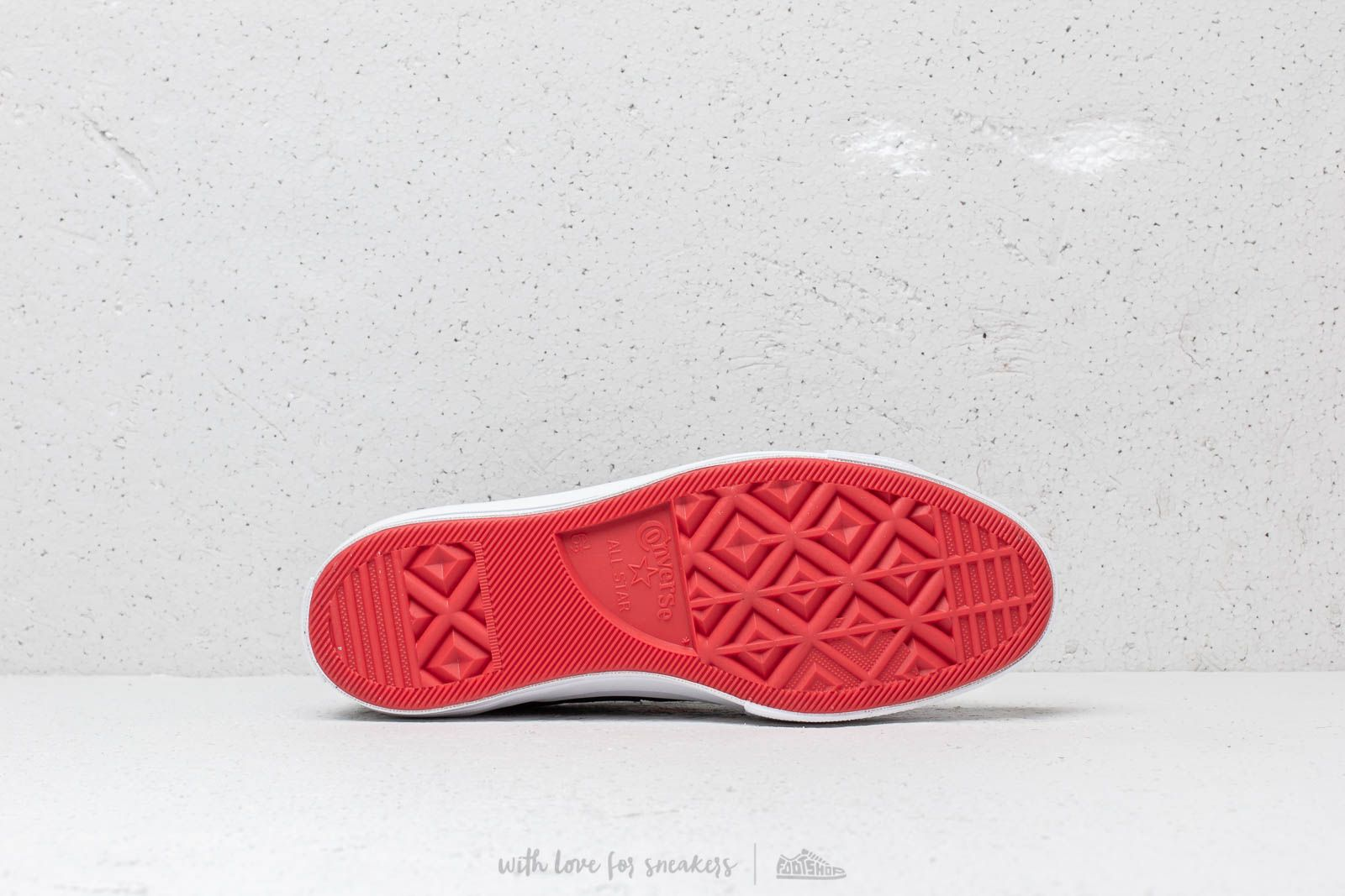 321c37f0589 Converse x Hello Kitty One Star OX Black  Fiery Red  White at a great