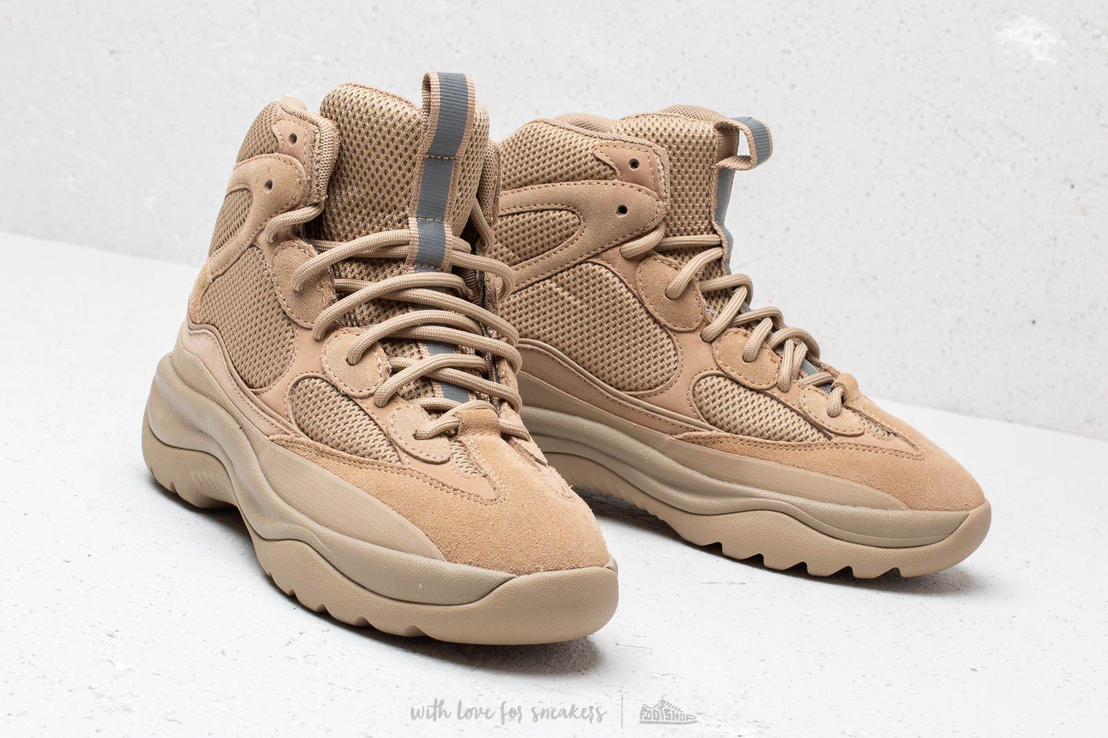 Yeezy Season 7 Desert Boot Taupe | Footshop