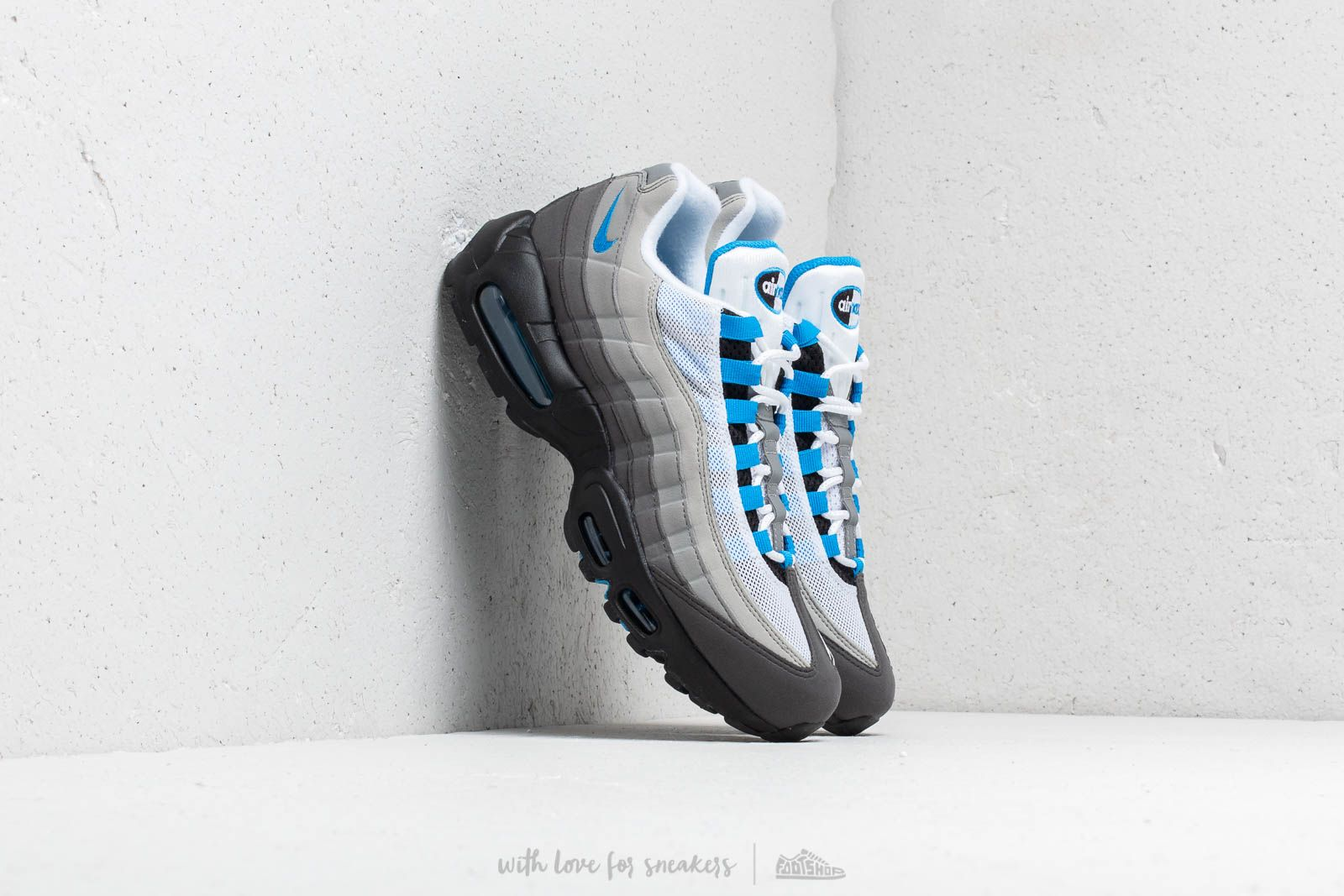 Nike Air Max 95  99 White  Crystal Blue at a great price 169 € 080585317365