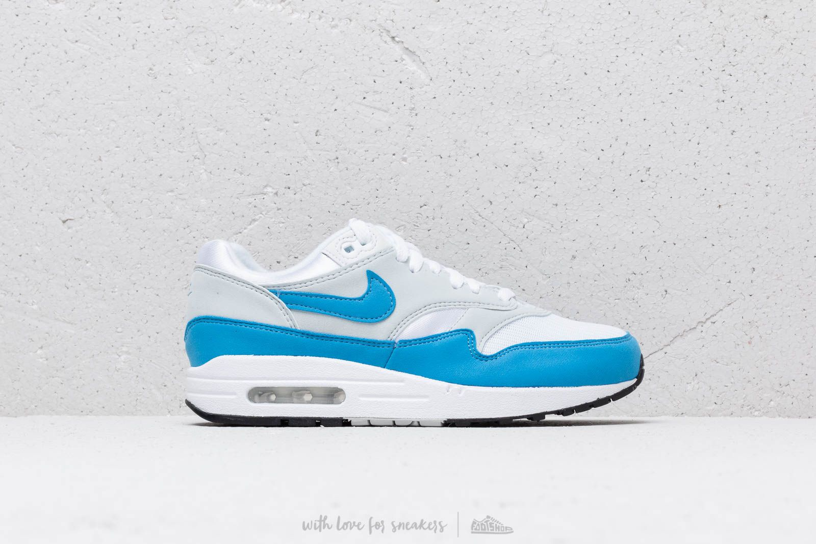 watch 99e7e 6721b Nike W Air Max 1 Essential White  University Blue at a great price 128 €