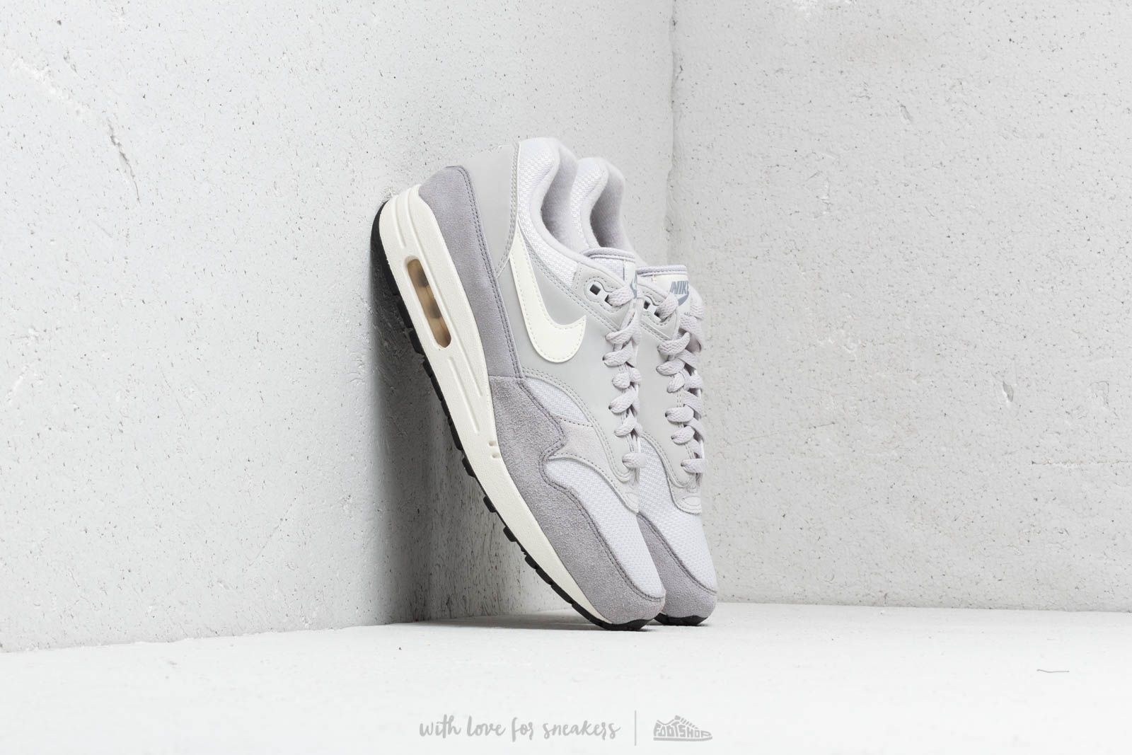 discount 208df 317e2 Nike Air Max 1 Vast Grey  Sail-Sail-Wolf Grey at a great