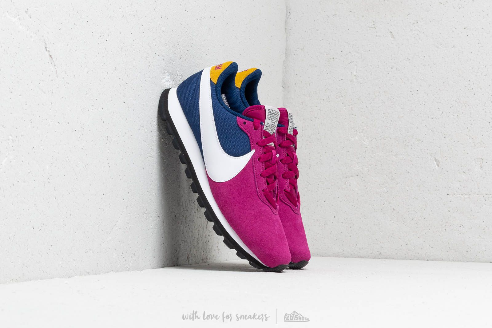 Nike W Pre Love O.X.True Berry White Blue Void Dark Citron