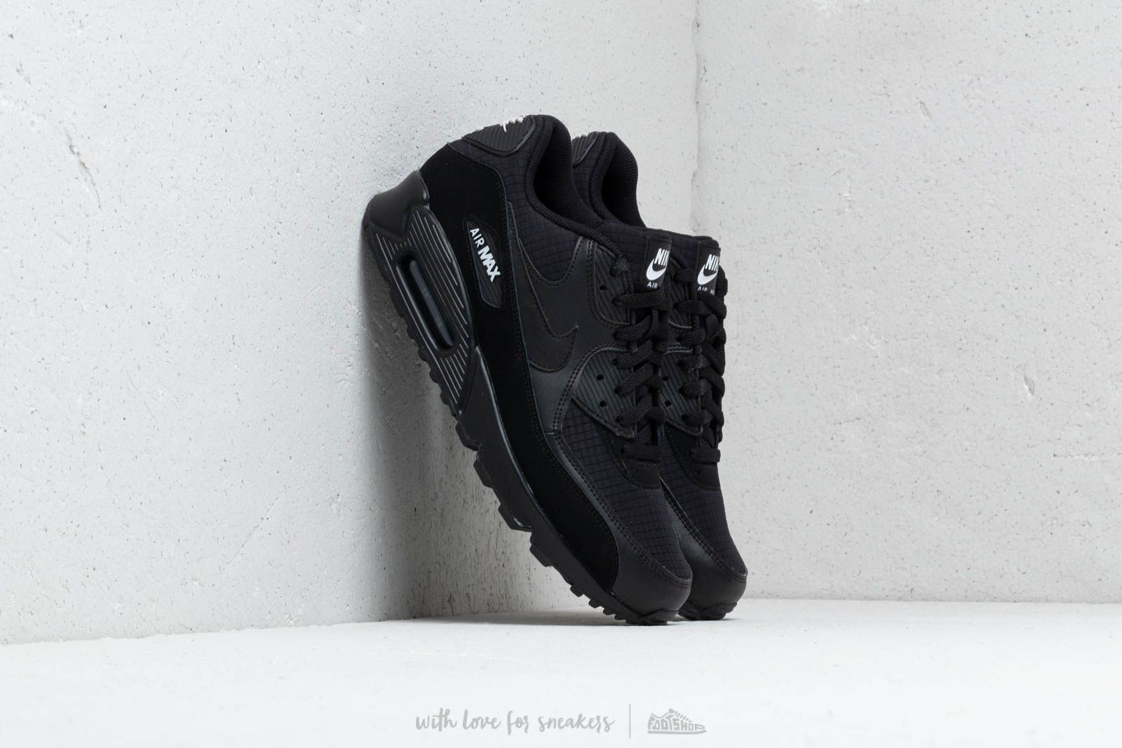 innovative design b398c c9a8c Nike Air Max 90 Essential Black White at a great price 132 € buy at