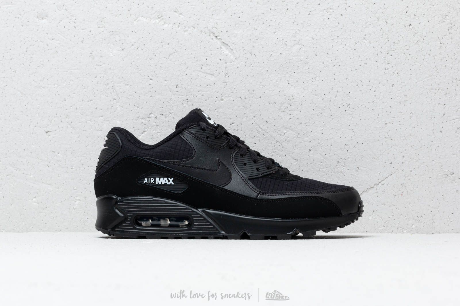save off 8a590 201cc Nike Air Max 90 Essential Black  White at a great price 132 € buy at