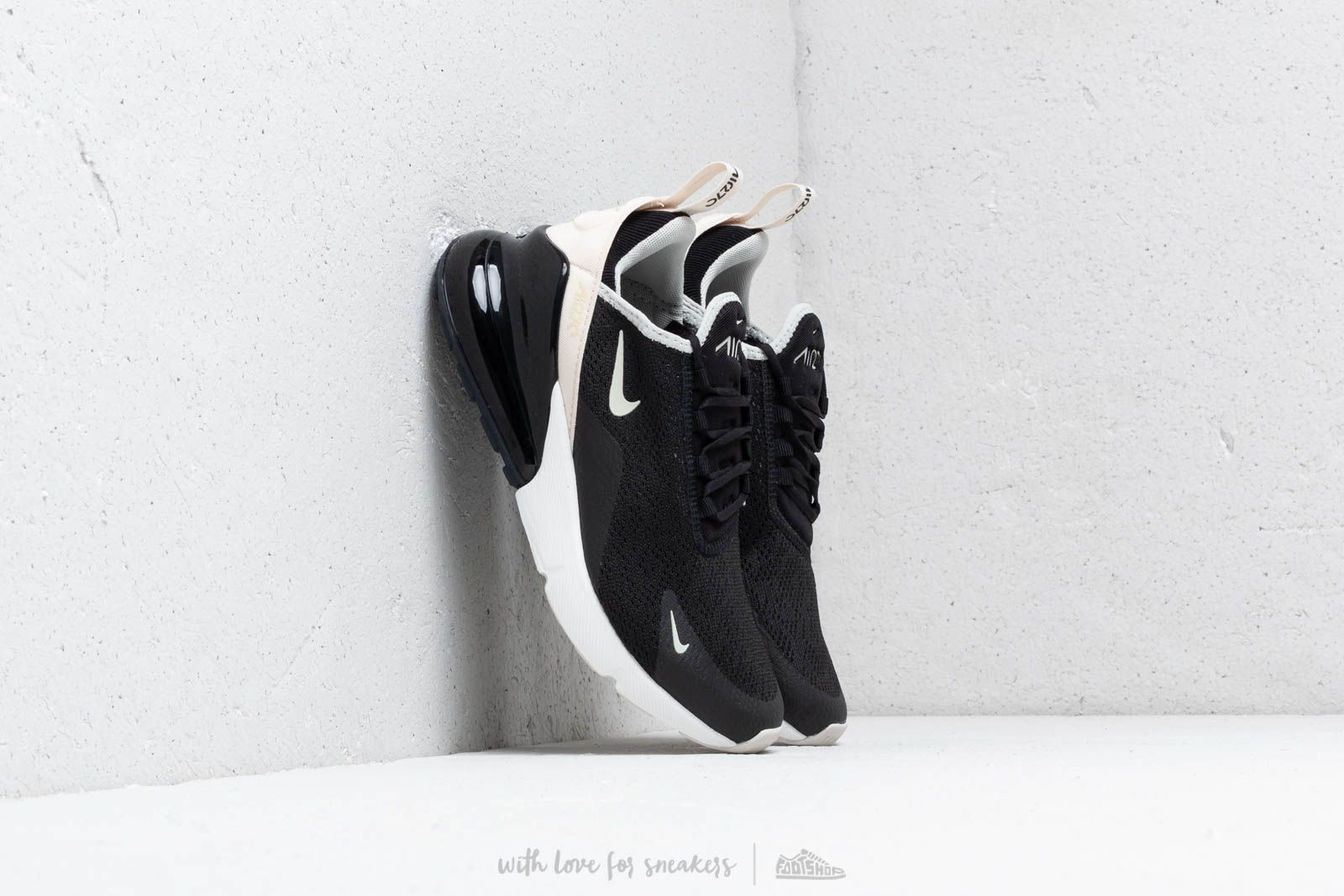 Nike W Air Max 270 Black/ Light Bone-Light Bone au meilleur prix 139 € Achetez sur Footshop