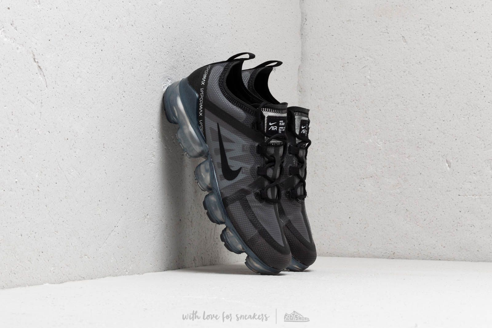 Nike Air Vapormax 2019 Black/ Black-Black at a great price 367 лв купете в Footshop