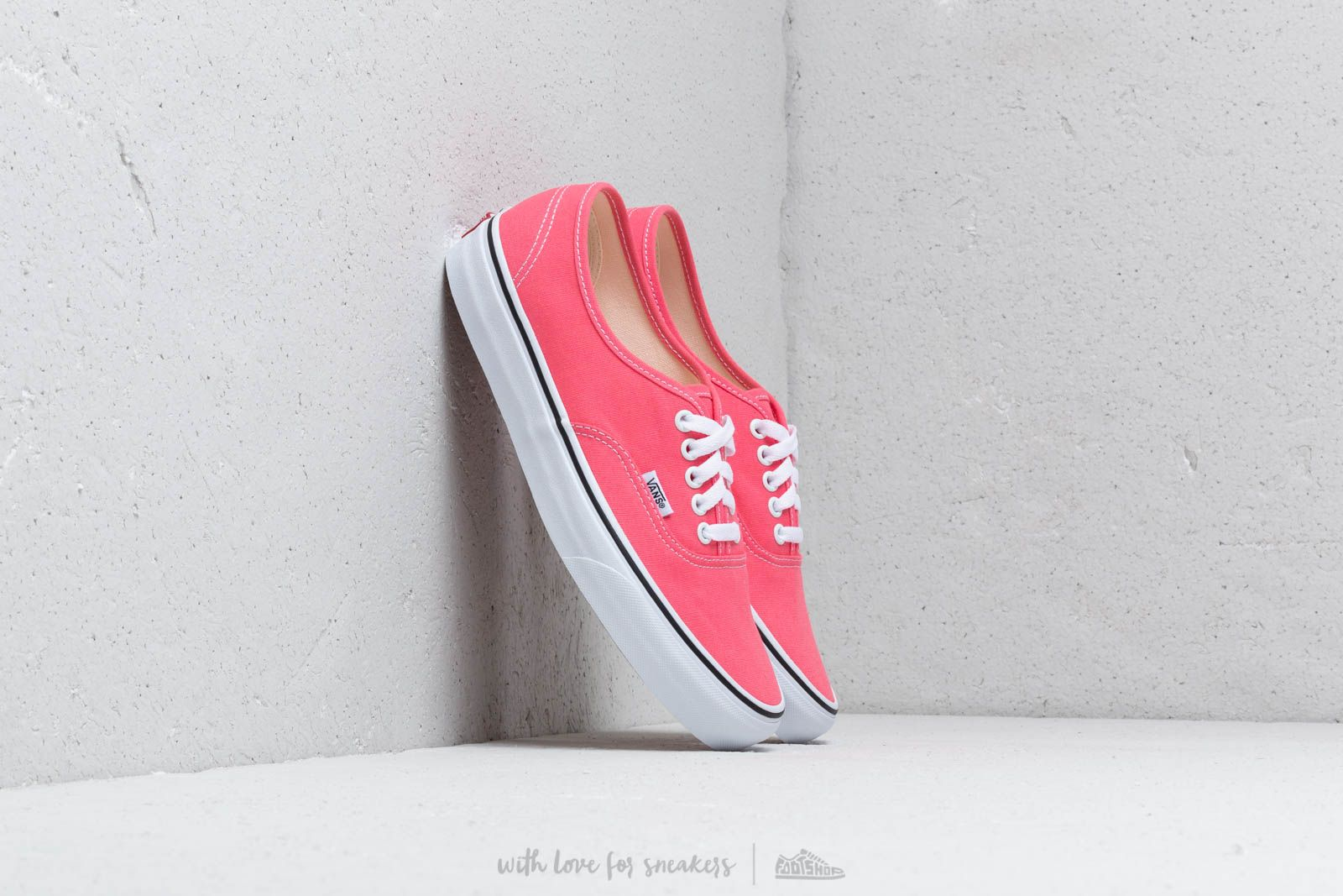 Vans Authentic Strawberry Pink/ Truewhite at a great price 70 € buy at Footshop