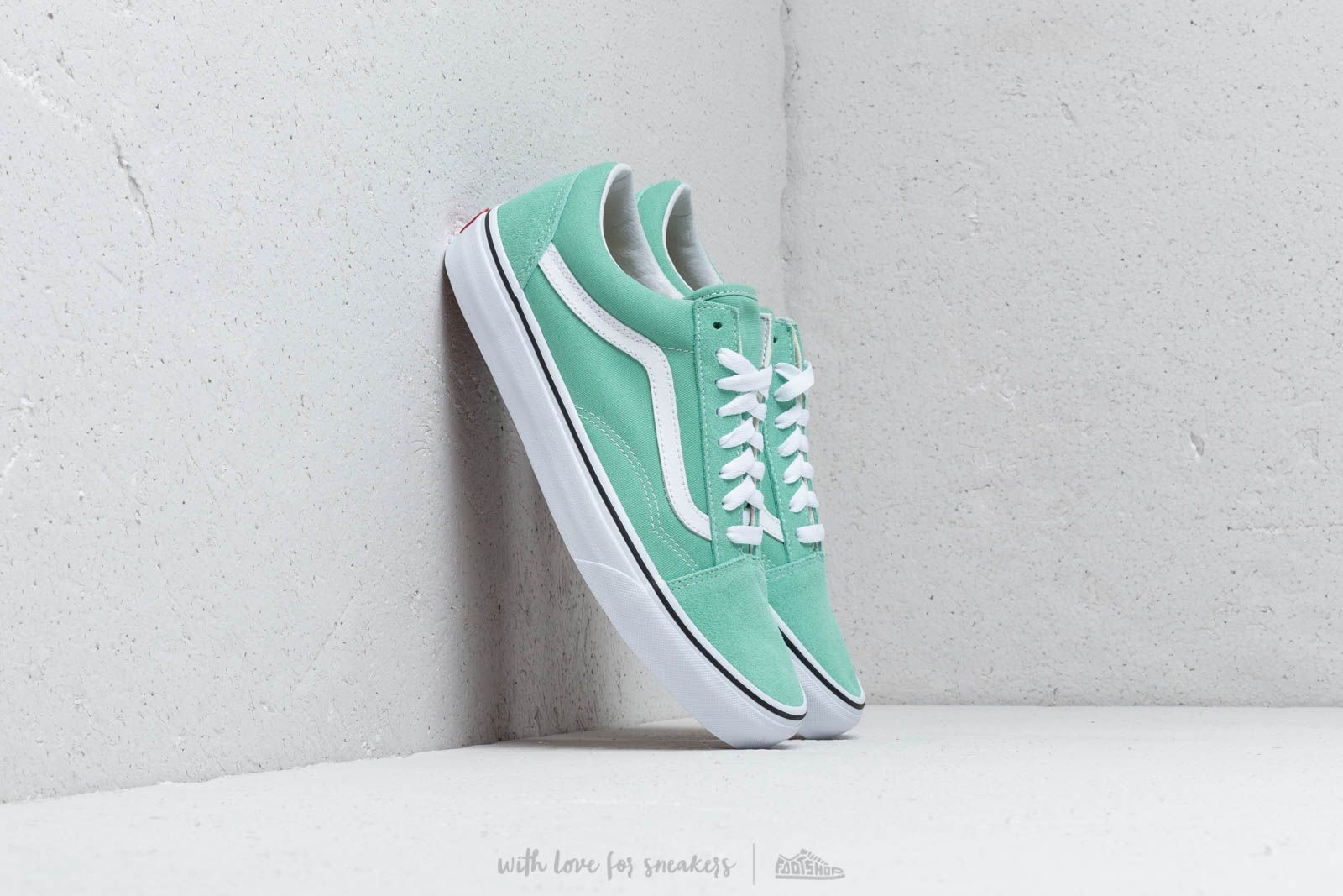 d996fb60d83e Vans Old Skool Neptune Green  True White at a great price 66 € buy at