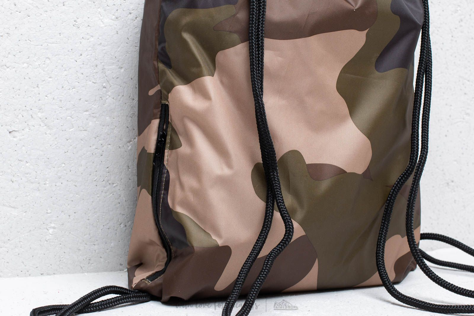adidas Camouflage Gymsack Camo at a great price 18 € bestell bei Footshop 3354a2dc37