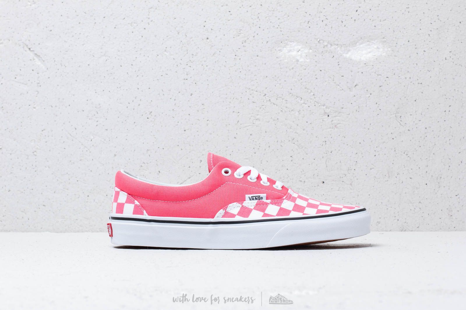 e5ac159d385 Vans Era (Checkerboard) Strawberry at a great price 62 € buy at Footshop