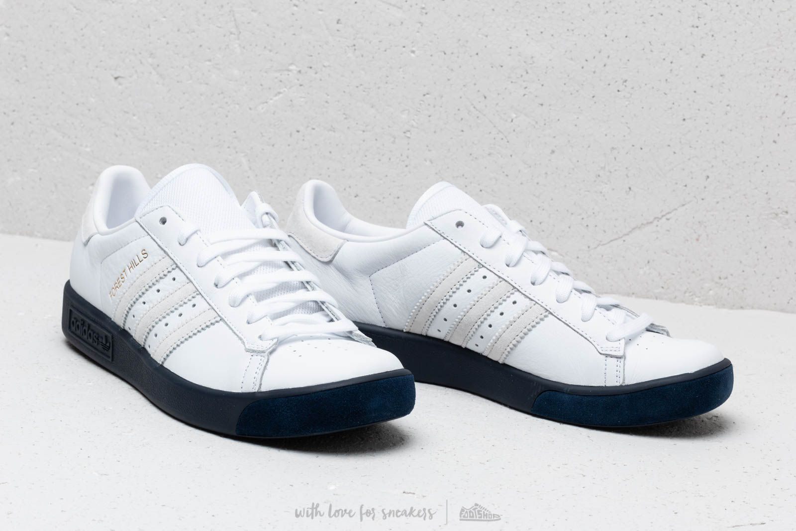 438800f2986 Adidas Icon Trainer Shoes