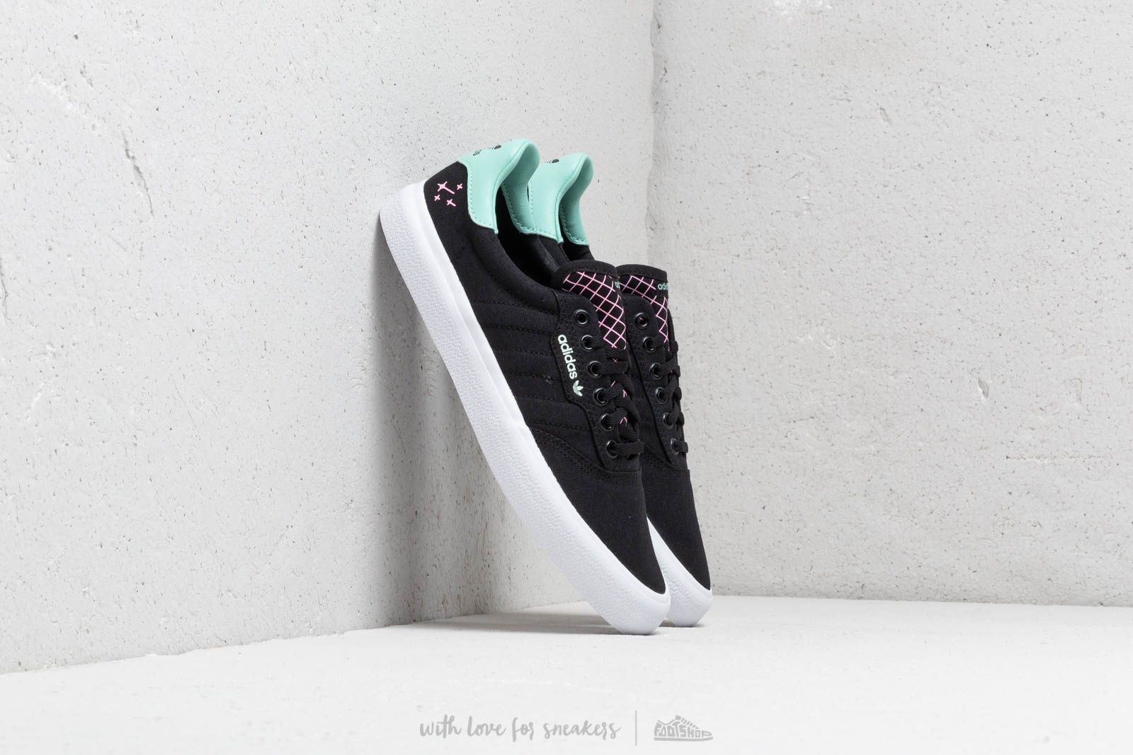 adidas 3Mc Core Black/ Clemin/ Ftw White za skvelú cenu 61 € kúpite na Footshop.sk