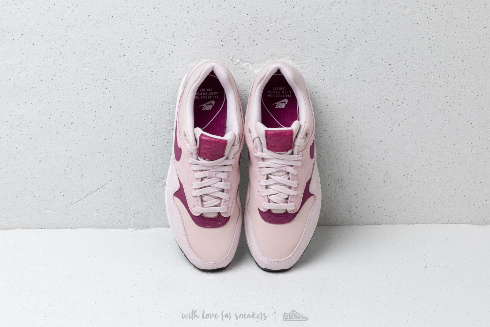 pretty nice 146a8 b22a2 nike wmns air max 1 premium rose