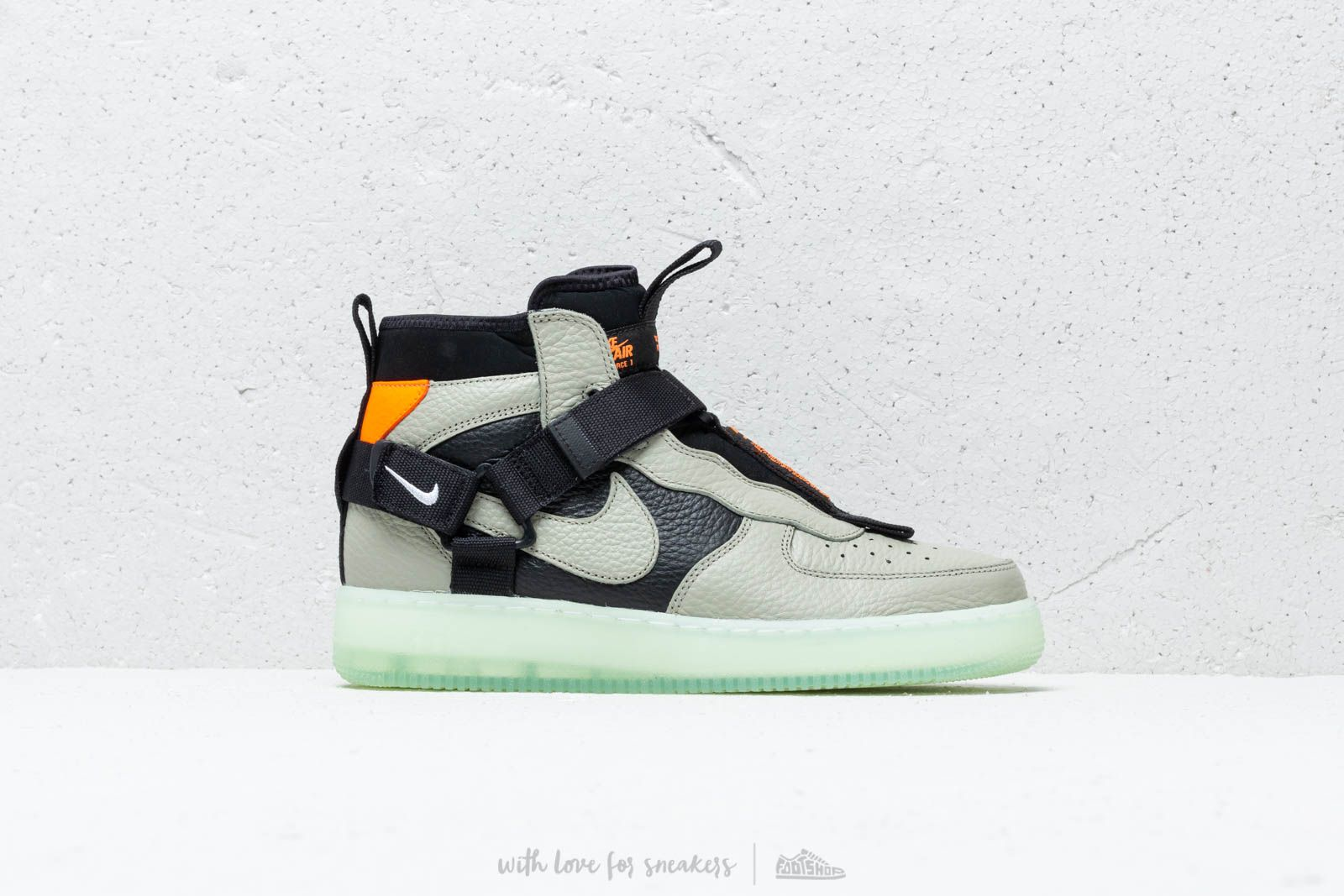 online retailer 7d255 13292 Nike Air Force 1 Utility Mid Spruce Fog  Black-Frosted Spruce au meilleur  prix