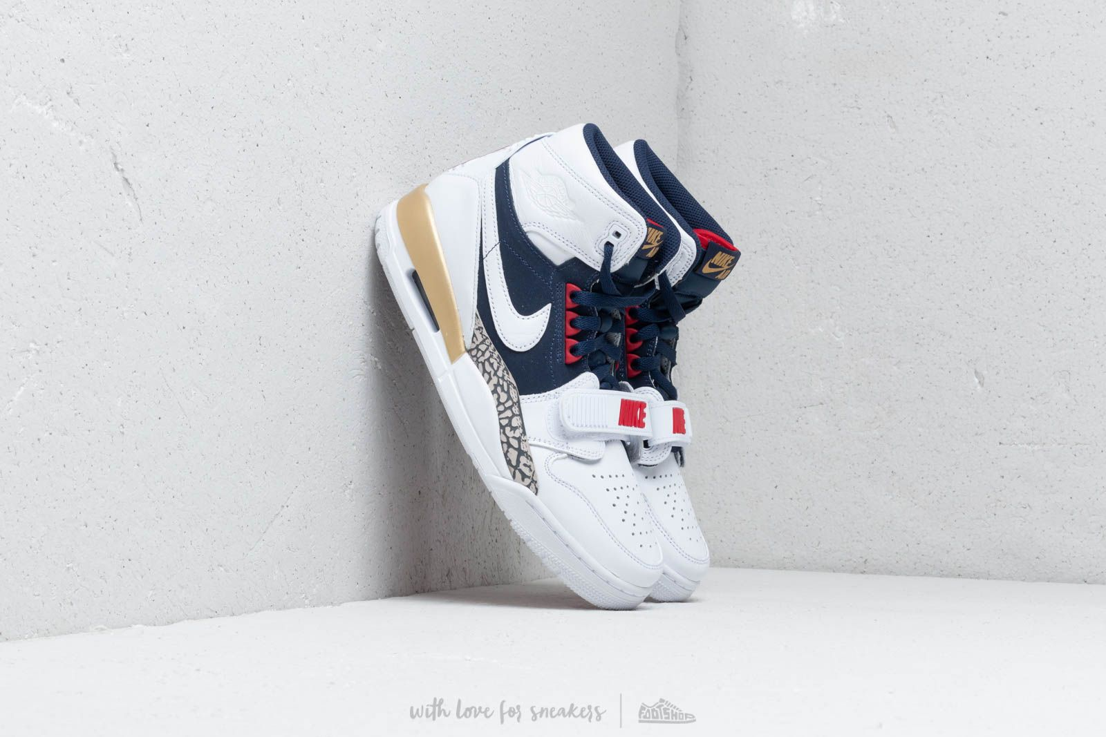 Air Jordan Legacy 312 White/ White-Midnight Navy-Varsity Red